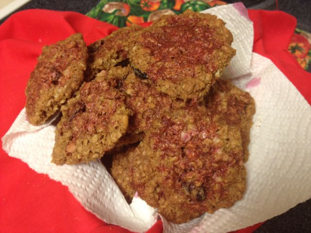 Roasted Mesquite and Heirloom White Sonora Wheat Oatmeal cookies droozled with prickly pear juice (MABurgess photo)
